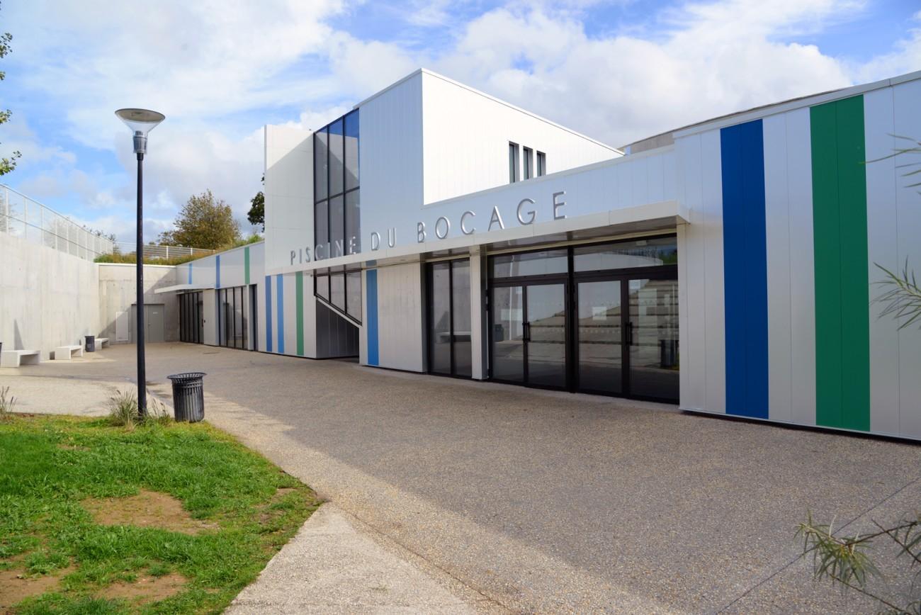 Bourgueil rouleau architectes piscine du bocage for Construction piscine 25m